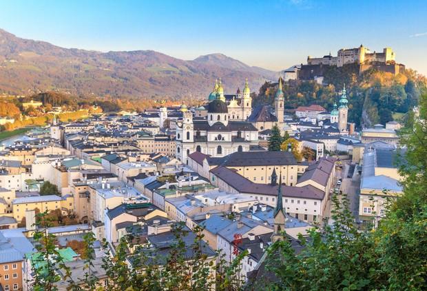 Salzburg - zakaj morate to mesto obiskati tudi poleti