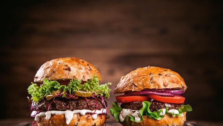 Burger s super omakico (remulado) za 4 osebe (foto: Profimedia)