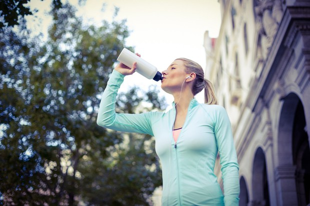 Minerali Z vodo telo dobi pomembne minerale, kot so magnezij, kalcij in natrij. Če kupujete ustekleničeno vodo, pa ne pozabiti …