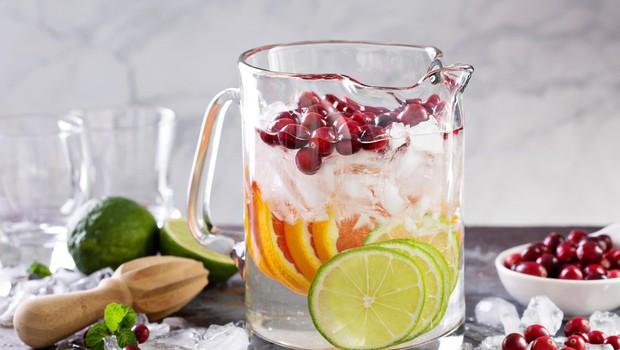 4 triki za pripravo vode z okusom in okusni recepti (foto: profimedia)