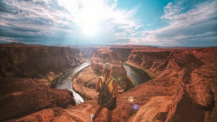 Ljudje, ki pogosteje potujejo, so bolj uspešni - poglejte, zakaj! (foto: Unsplash/Drif Riadh)