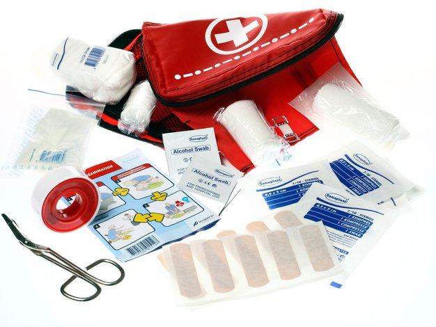 V vaši potovalki naj se vedno najde prostor za osebno lekarno - Foto: Profimedia