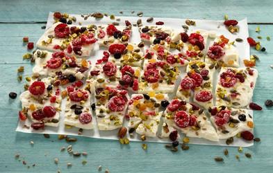 Domač prigrizek: Sadne jogurtove tablice