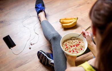 Kaj in kdaj jesti, če telovadite zjutraj? (+ 3 okusni recepti)