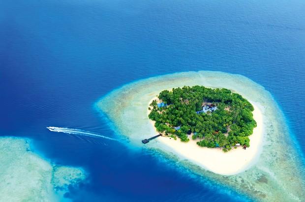 Maldivi: otok Voavah Popolne prizore z razglednic lahko v živo doživite na malih otočkih v Indijskem oceanu. Maldivi je namreč …