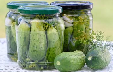 Bi morali po vadbi res piti sok vloženih kumaric?