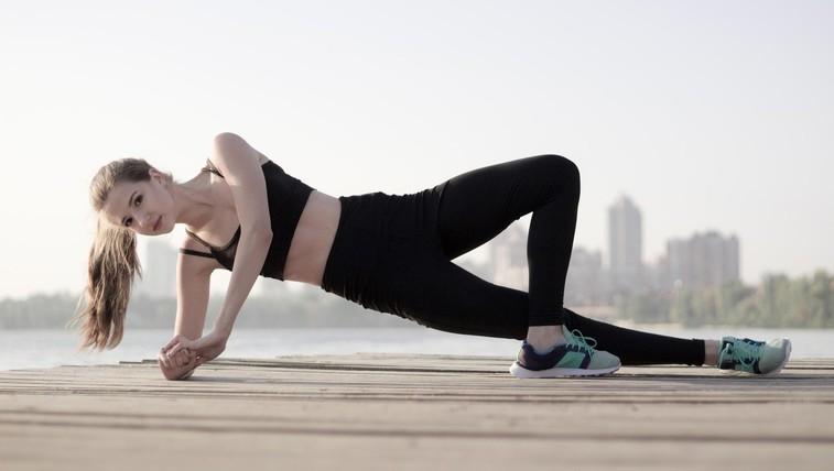 Vadba z lastno telesno težo za utrjevanje in boljšo pripravljenost (foto: profimedia)