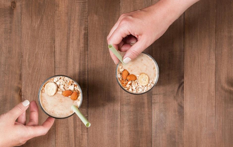 Čokoladno-mandljev smuti za po vadbi (foto: profimedia)