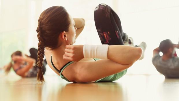 Nekaj minutna vadba, ki jo lahko opravite kar doma (foto: profimedia)