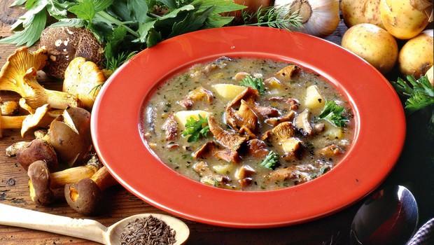 Krompirjeva juha z gobami (foto: Profimedia)