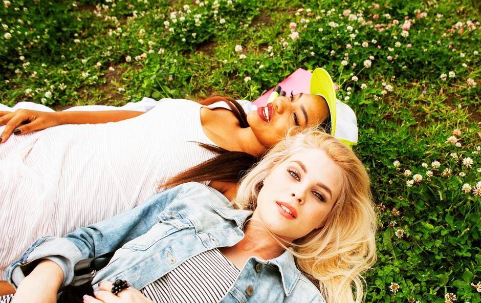 Kakšne lastnosti imajo osebe, ki so po naravi dobri prijatelji? (foto: profimedia)