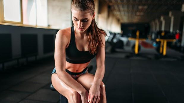 Če se želite za vedno znebiti maščobe na trebuhu, se izogibajte naslednjih 7 napak (foto: profimedia)