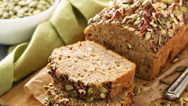 Slastna recepta: Ajdov namaz z bučnimi semeni in bananin bučni kruh (foto: Profimedia)