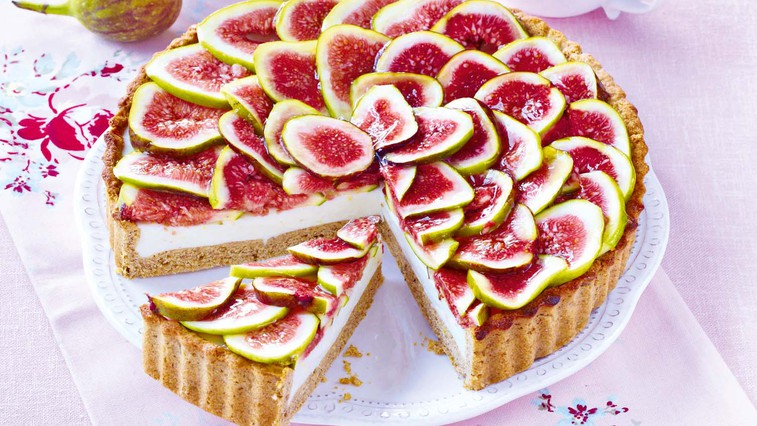 Skutna torta z rožmarinom in figami (foto: Profimedia)