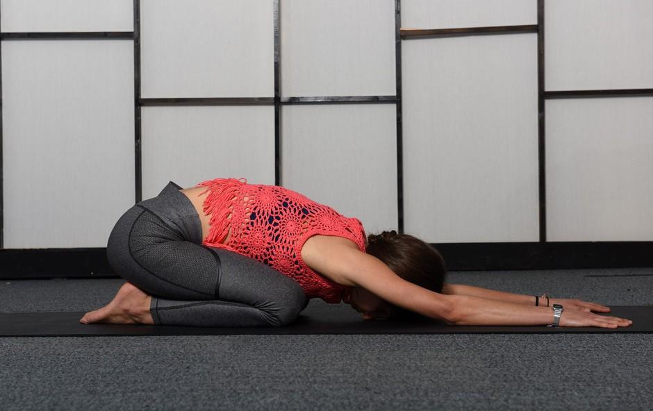 Položaj otroka: počivanje, ki razteguje hrbtenico! (foto: Profimedia)