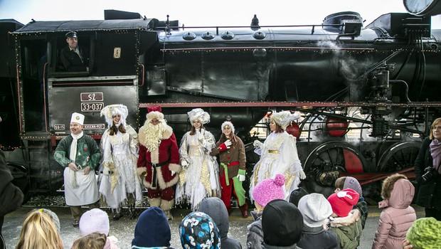 Namigi za praznična potovanja - z muzejskim vlakom in Božičkom ter pravljičnimi junaki (foto: Promocijsko gradivo SŽ)