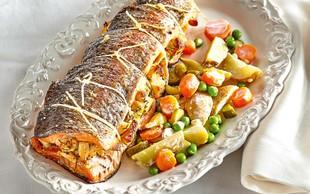 Nadevana šarenka z lahko krompirjevo solato