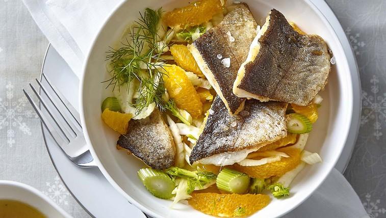 Postrv s koromačevo-pomarančno solato (foto: Profimedia)