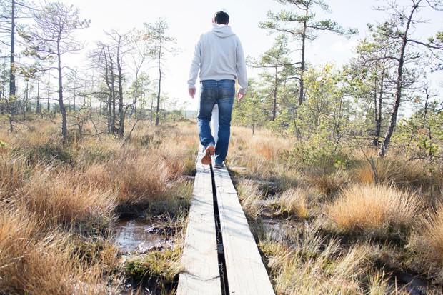 Štejte korake Številke ne povedo vsega, vendar vas štetje korakov lahko spodbudi, da se boste pozimi dovolj gibali. Vsak dan ...