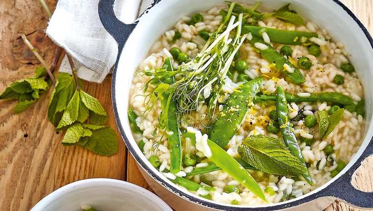 Limonina rižota z grahom in meto (foto: Profimedia)