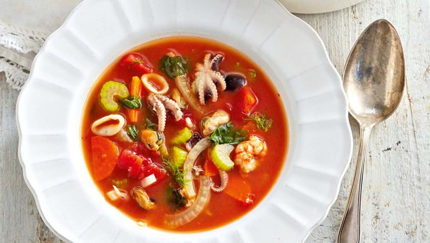 Italijanska ribja juha z belim vinom (foto: Profimedia)