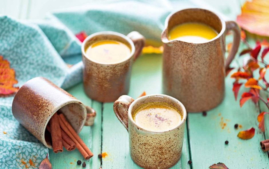 Kako doma narediti cimetov-kurkumin čaj, ki bo pozdravil vnetje (foto: Shutterstock)