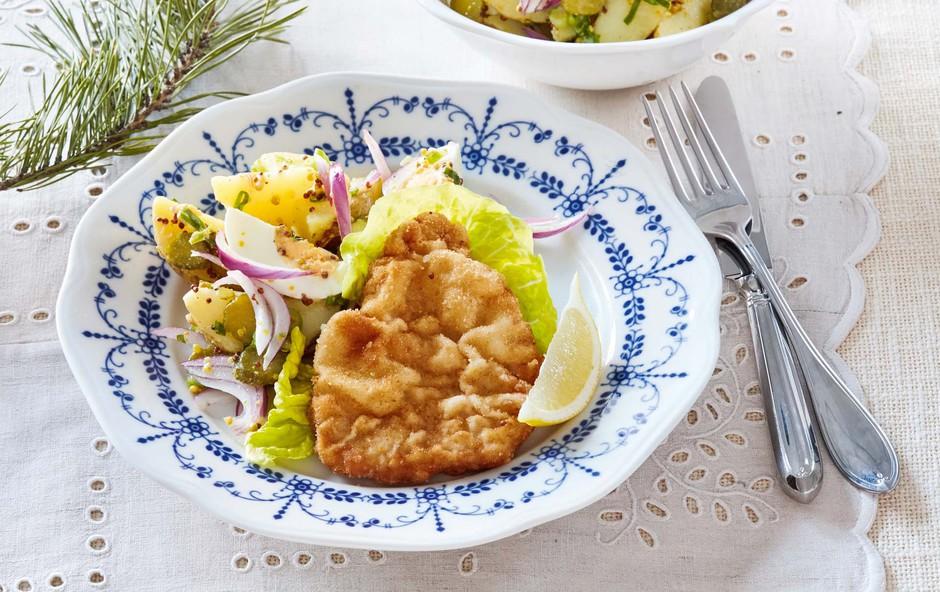 Svinjski zrezek s krompirjevo solato (foto: Profimedia)