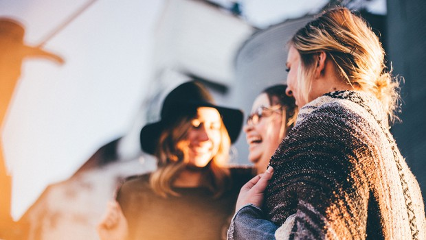 Srečni ljudje TO počnejo drugače od drugih (foto: Priscilla Du Preez | Unsplash)