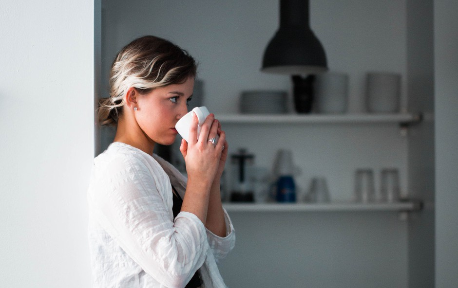 10 vprašanj, ki si jih postavite vedno, ko kontrolo prevzamejo negativna čustva (foto: Nik MacMillan | Unsplash)