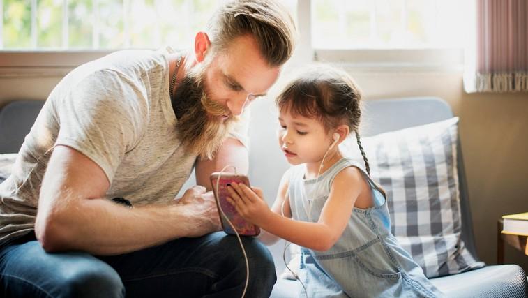 Preprost način, s katerim boste izboljšali in okrepili vaš odnos z otrokom (in je dostopen vsem staršem!) (foto: Profimedia)