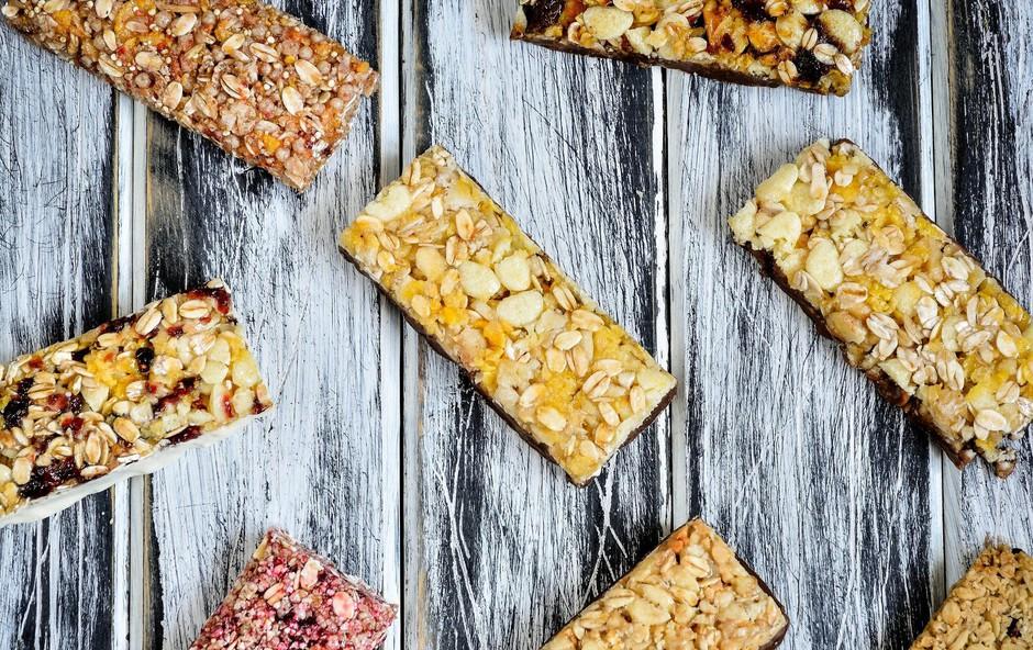 Domača čokoladno-mandljeva energijska tablica za vikend izlet (+ predlogi za izlet) (foto: profimedia)