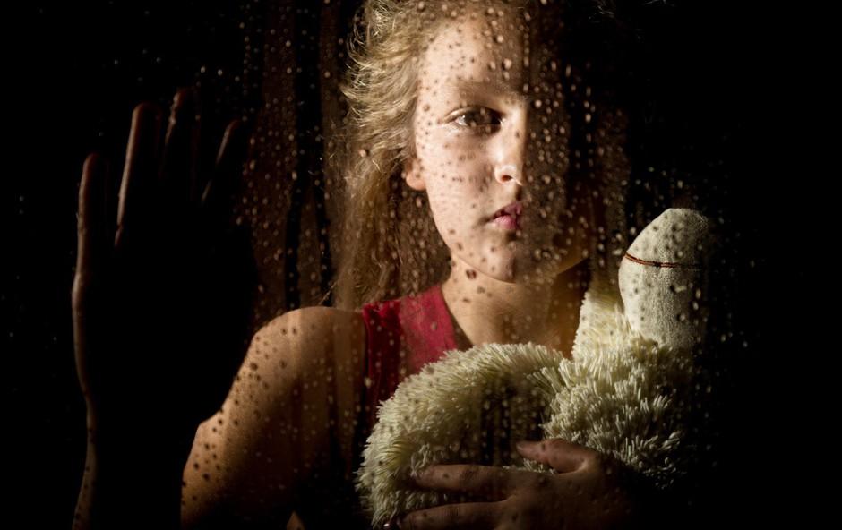 To bi morali vedeti o posameznikih, ki so bili v otroštvu zlorabljeni (foto: profimedia)