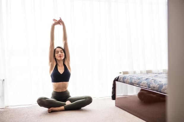 VSAKO JUTRO SE RAZTEZAJTE Ne zahtevamo od vas, da opravite celotno jutranjo vadbo, ampak le nekaj preprostih raztegov, ki bodo …