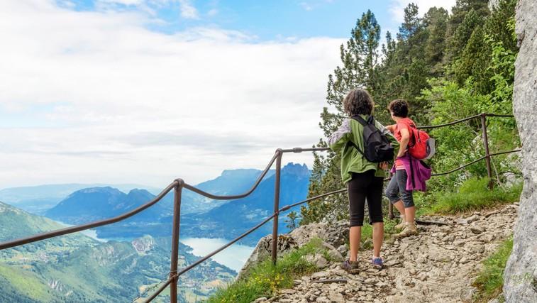Česa nas lahko naučijo pohodniki o srečnejšem in bolj zdravem življenju (foto: Profimedia)