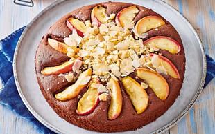 Kakavov kolač z jabolki