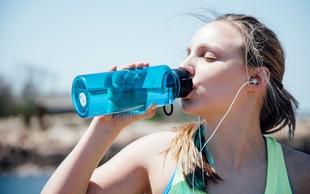 Tečemo: Koliko vode moramo popiti med treningi?
