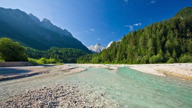 7 naravnih čudes Slovenije, ki jih obiščite to poletje (foto: profimedia)