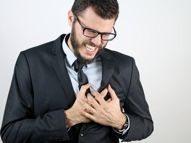 Defibrilator v vsako vas: Ker je edina naprava, ki lahko hitro in učinkovito pomaga vsakomur, ki doživi srčni zastoj - Foto: Profimedia