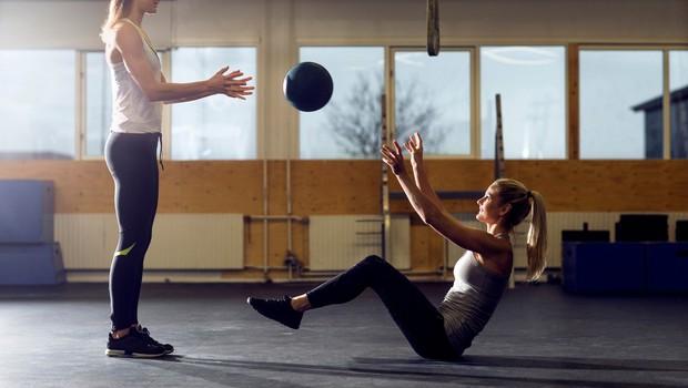 Kardio ali trening z utežmi – kaj bi morali izvajati, da bi hitreje izgubili maščobo na trebuhu? (foto: Profimedia)
