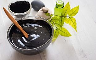 Črna mrzlica: aktivno oglje za lepšo kožo
