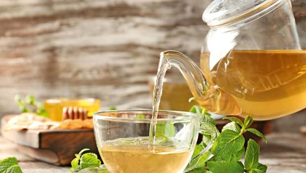 Pri razdraženem želodcu pomaga teh pet domačih zdravil (foto: Shutterstock)