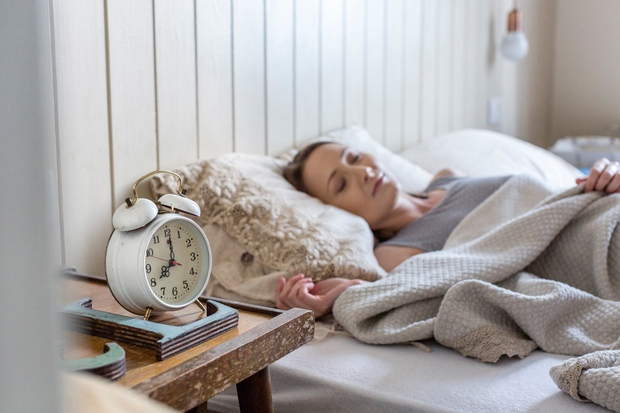 Včasih se je zjutraj nemogoče spraviti iz postelje in zdi se, da bi 5 minut dodatnega spanca vse popravilo, zato …