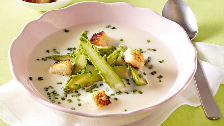 Piščančja juha z beluši (foto: Profimedia)