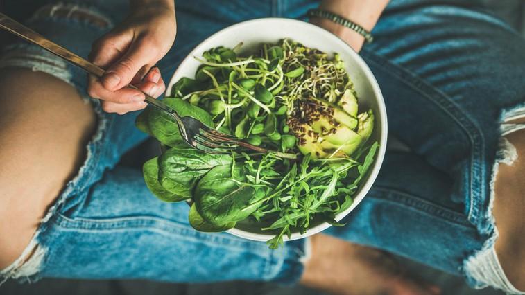 12 živil, ki vsebujejo več železa kot špinača (in bi jih morali nujno dati na krožnik) (foto: profimedia)