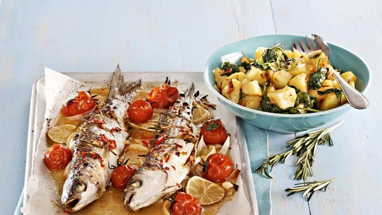 Pečena riba s špinačnim krompirjem (foto: Profimedia)