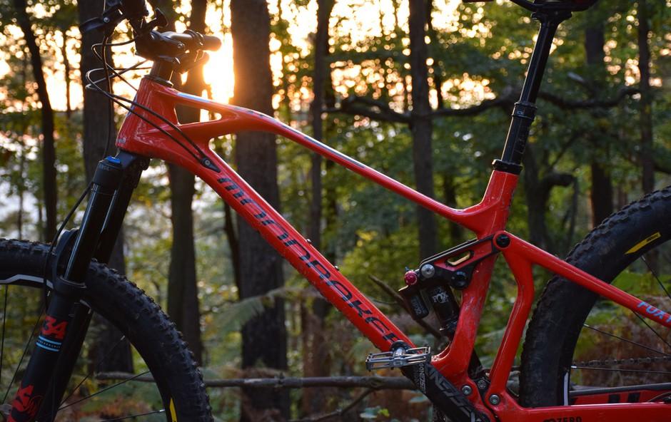 Test gorskega kolesa: Moondraker Foxy carbon RP (foto: Promocijsko gradivo)