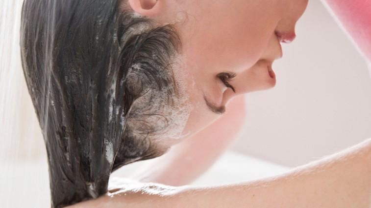Recepti s čebulnim sokom, ki preprečuje izpadanje las (foto: Profimedia)