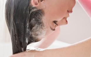 Recepti s čebulnim sokom, ki preprečuje izpadanje las