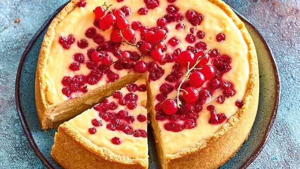 Torta z rdečim ribezom (foto: Profimedia)