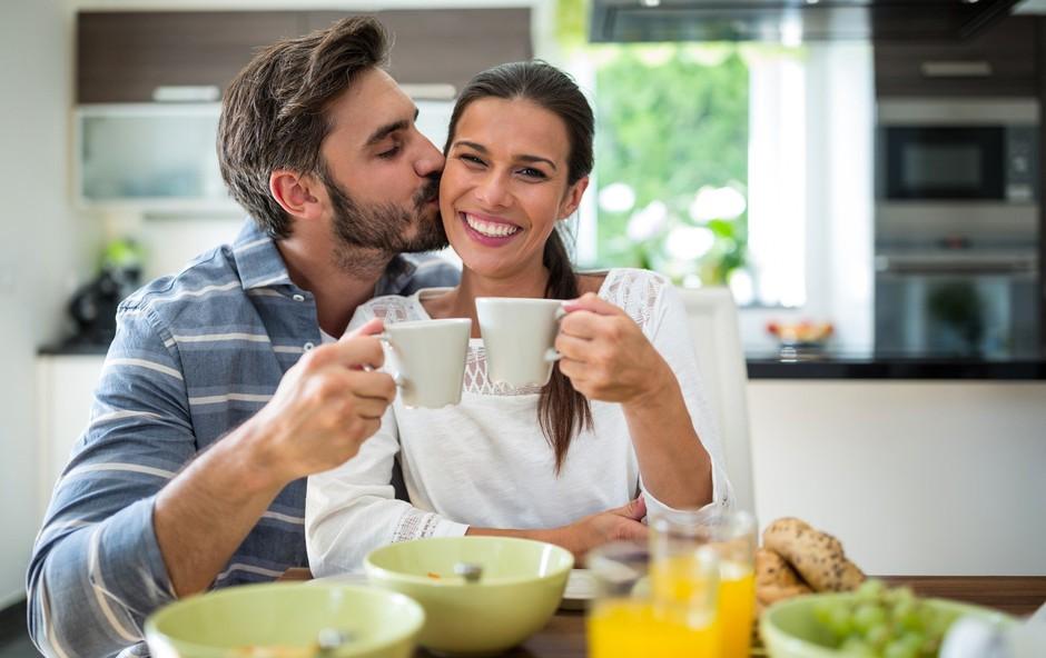 5 zares preprostih nasvetov, kako začeti dan polni energije  (+ recept za kremast energijski napitek) (foto: Profimedia)